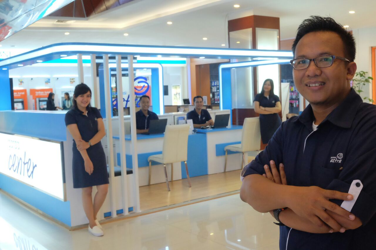 Head of Garda Center Pontianak, Andi Victory Bangun (kanan) beserta tim Garda Center Pontianak